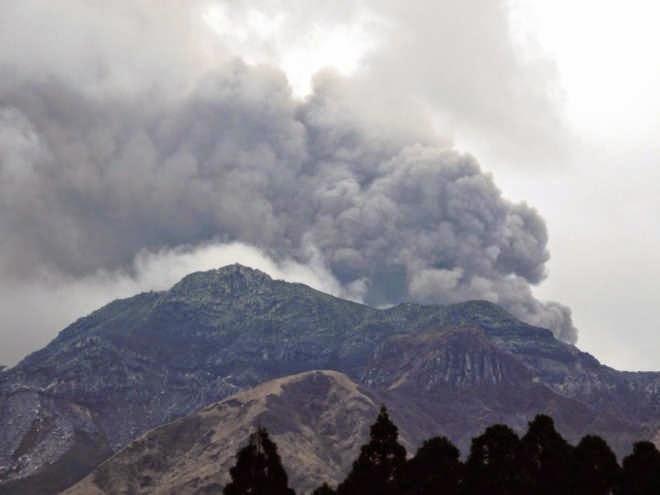 Allerta in Giappone, erutta il piu' grande vulcano del paese