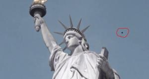Ufo sulla Statua della Libertà