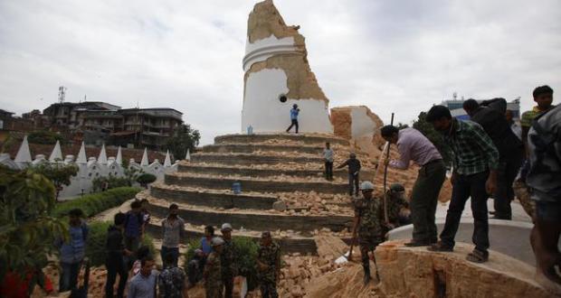 Crollata a Kathmandu storica torre patrimonio Unesco
