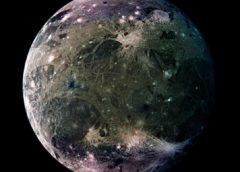 C'è vapore acqueo sulla luna di Giove Ganimede